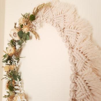 Ros'Arum macramé large et fleurs séchées tons naturels