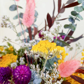 Ros'Arum bouquet de fleurs séchées coloré et contenant